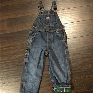 Oshkosh B'gosh bib overalls 💚